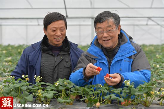 赵亚夫:让农民富起来是一辈子的事业