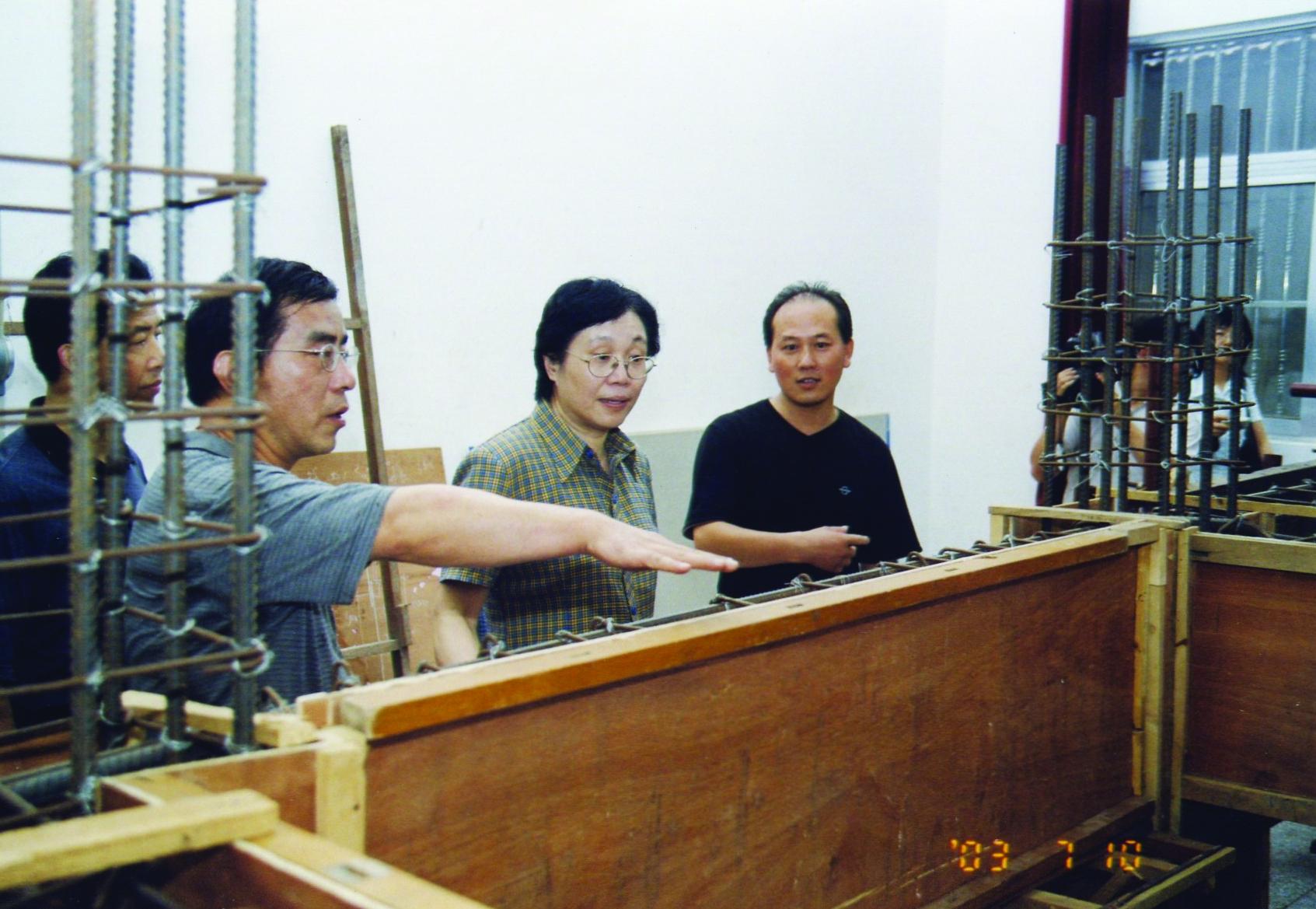 2003年7月10日,国家建设部傅雯娟...